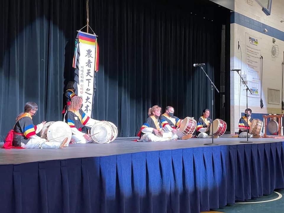 Shinparam - Korean drum performance